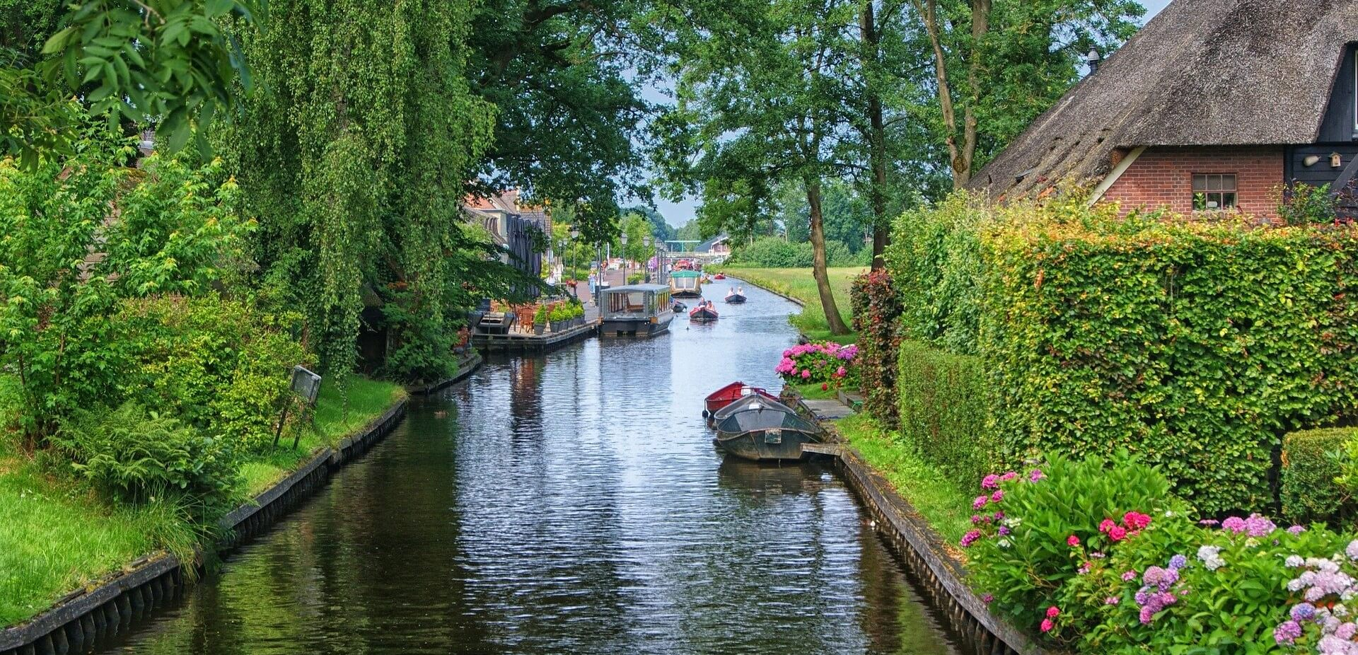 boats canal